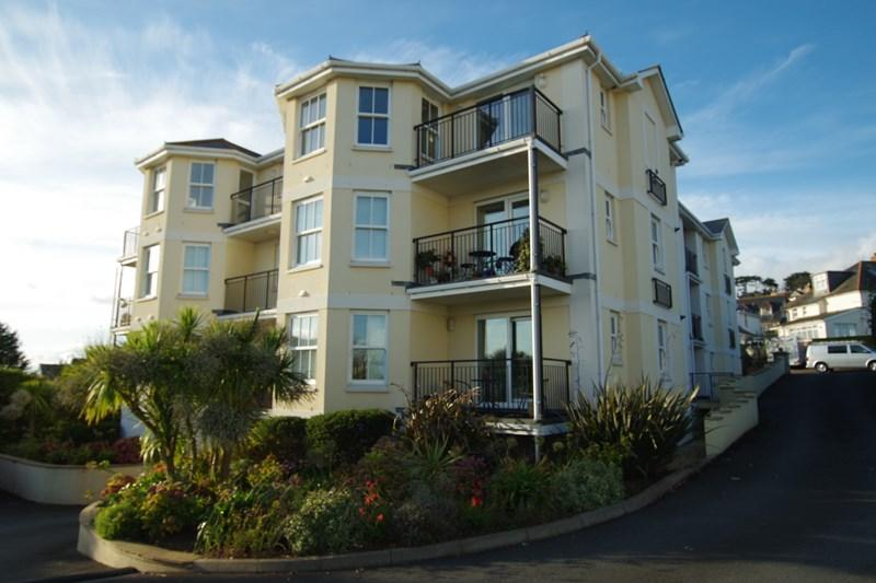 2 Bedrooms Apartment Flat for sale in Yannon Drive, Teignmouth