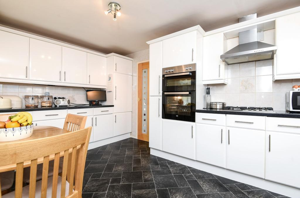 3 Bedrooms Detached House for sale in Eldred Drive Orpington BR5