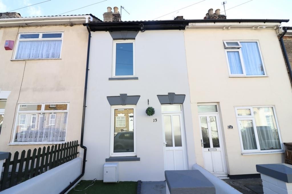 3 Bedrooms Terraced House for sale in Bowes Road Rochester ME2