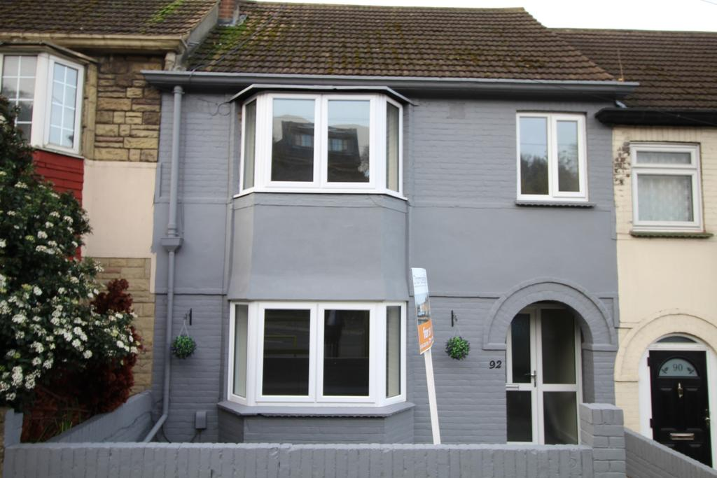 4 Bedrooms Terraced House for sale in Chatham Hill Chatham ME5