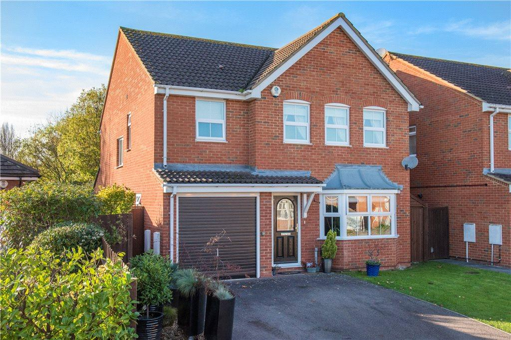 4 Bedrooms Detached House for sale in Francis Groves Close, Bedford, Bedfordshire