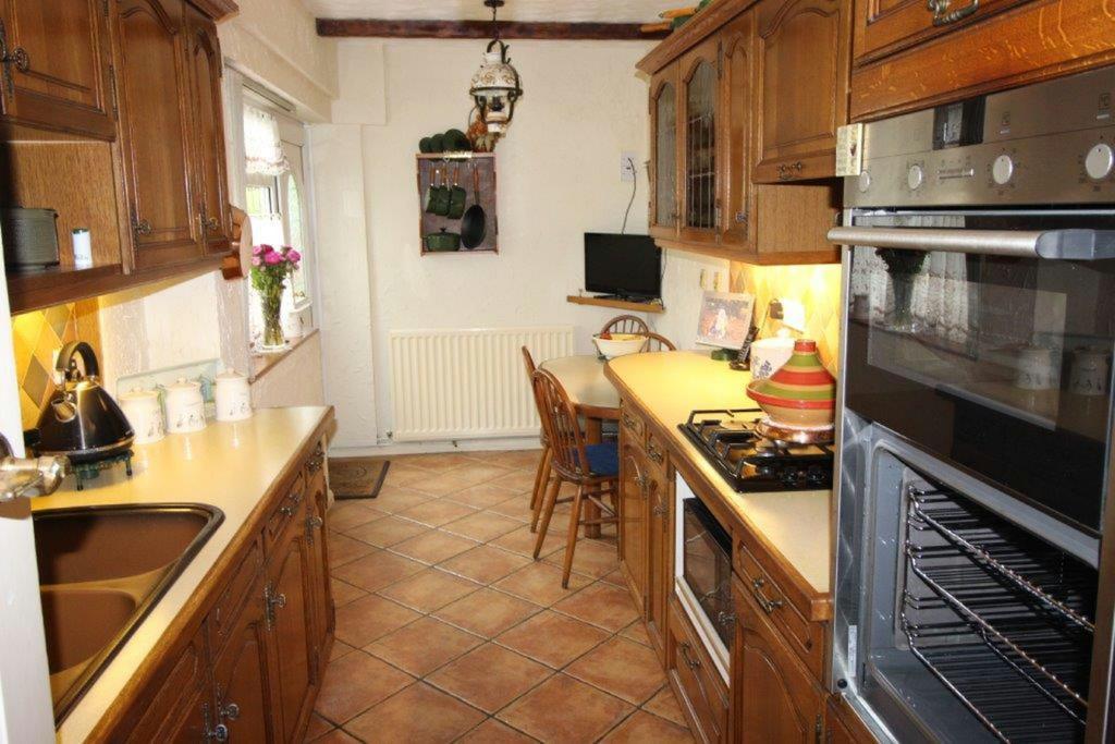 Breakfast/kitchen room