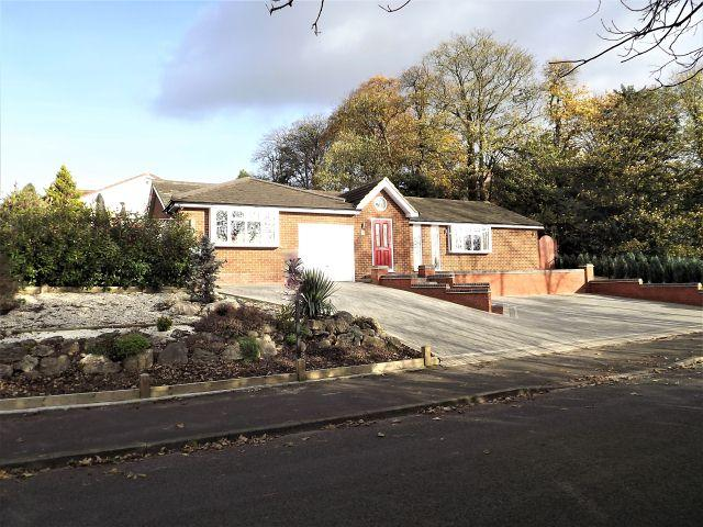2 Bedrooms Detached Bungalow for sale in Browns Drive,Boldmere,Sutton Coldfield