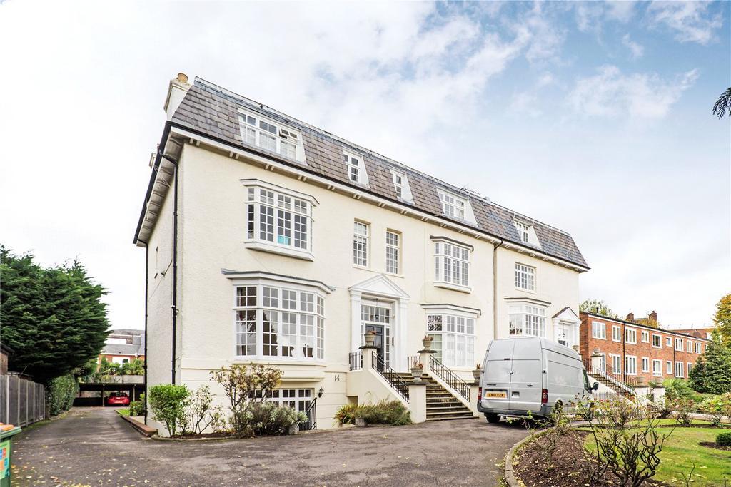 2 Bedrooms Maisonette Flat for sale in Grosvenor Hill, London, SW19