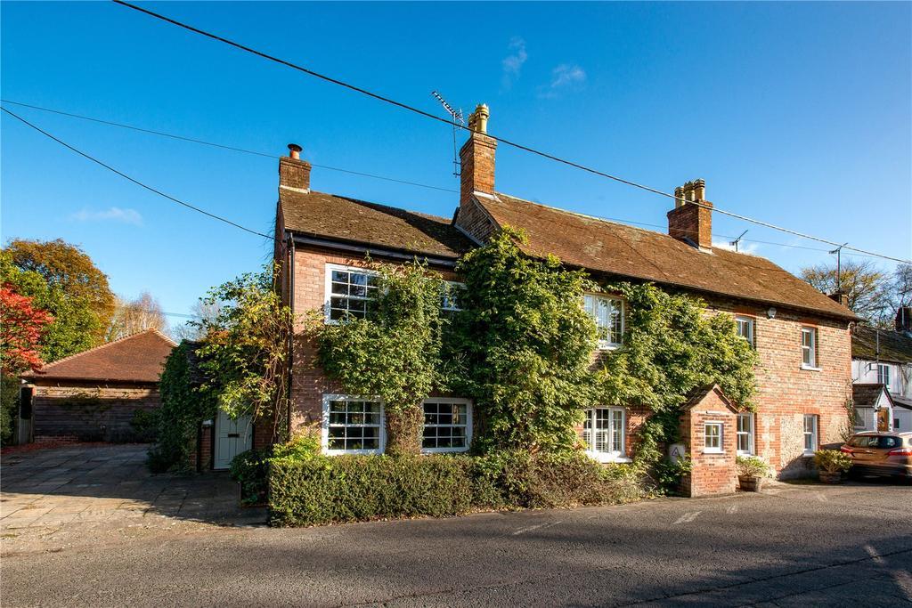 4 Bedrooms Detached House for sale in Bishopstrow Road, Bishopstrow, Wiltshire, BA12