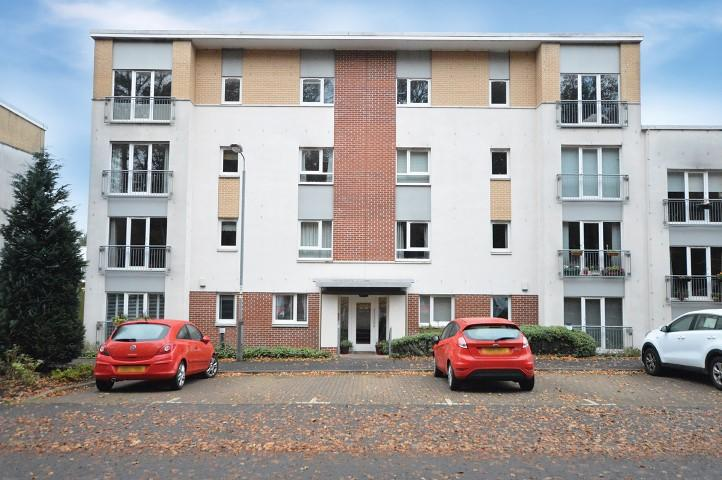 2 Bedrooms Flat for sale in 40 Cairnhill View, Bearsden, G61 1RP