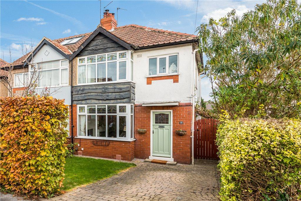 3 Bedrooms Semi Detached House for sale in Halstead Road, Harrogate, North Yorkshire