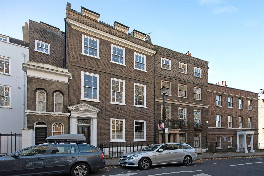 2 Bedrooms Flat for sale in Crooms Hill, Greenwich, London, SE10