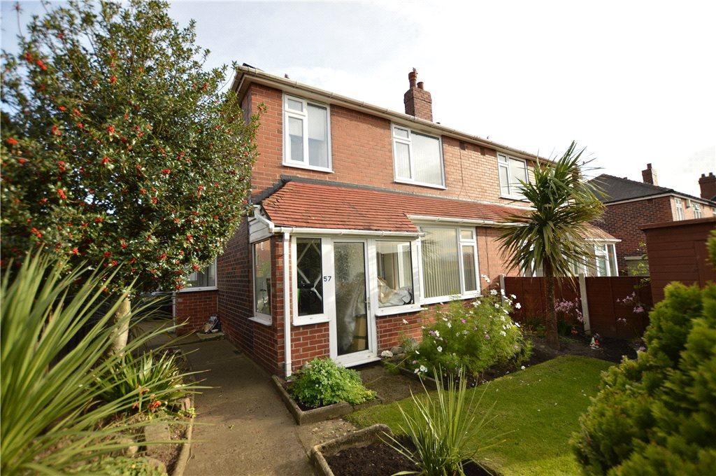 3 Bedrooms Semi Detached House for sale in Wood Lane, Rothwell, Leeds, West Yorkshire