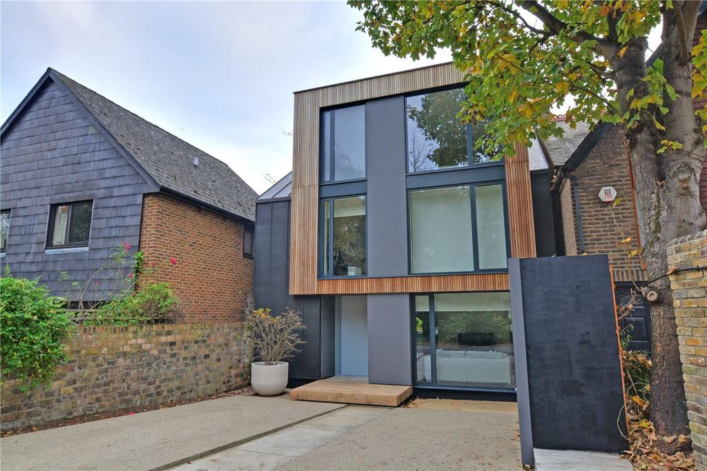 4 Bedrooms Detached House for sale in Heathway, Blackheath, London, SE3