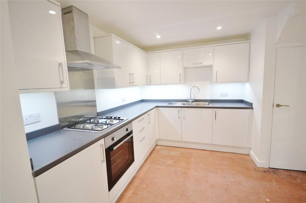 3 Bedrooms Terraced House for sale in Meriden Way, Garston, Hertfordshire, WD25