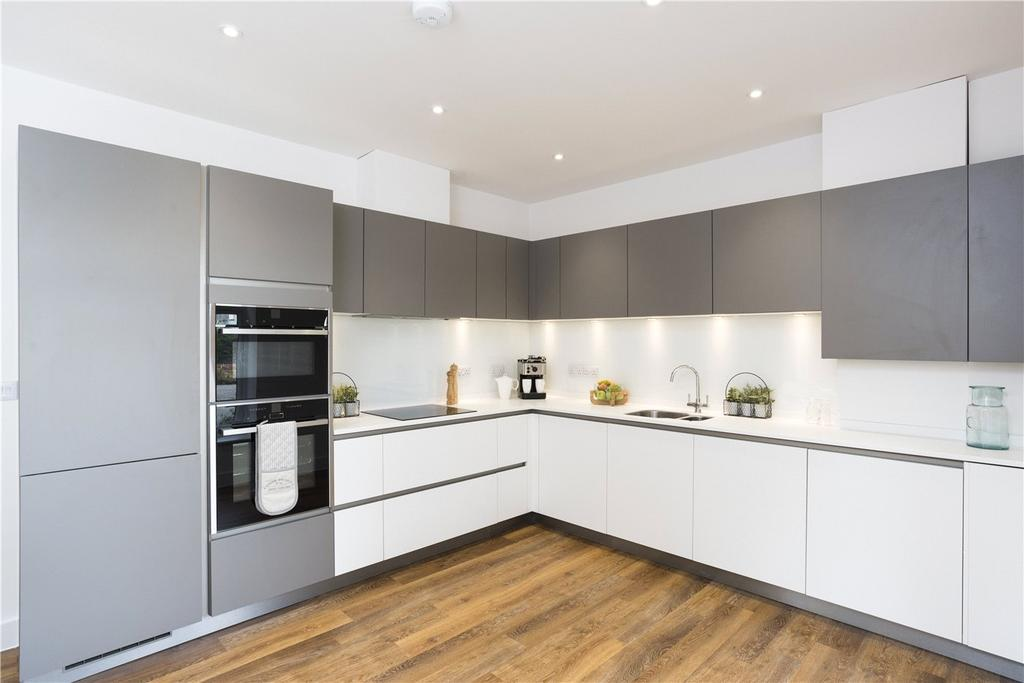 3 Bedrooms End Of Terrace House for sale in Avon Mews, 24 Wortley Road, Highcliffe, Christchurch, BH23