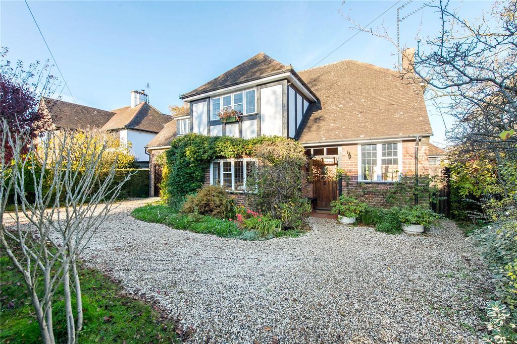 4 Bedrooms Detached House for sale in Grasmere Avenue, Harpenden, Hertfordshire, AL5