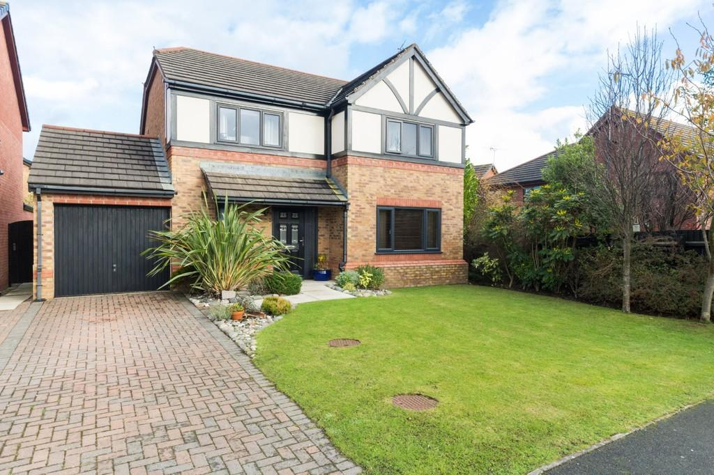 4 Bedrooms Detached House for sale in Lakeland Avenue, Barrow-In-Furness
