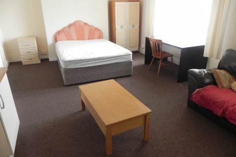 8 bedroom house to rent - Oaklands Terrace, Swansea,