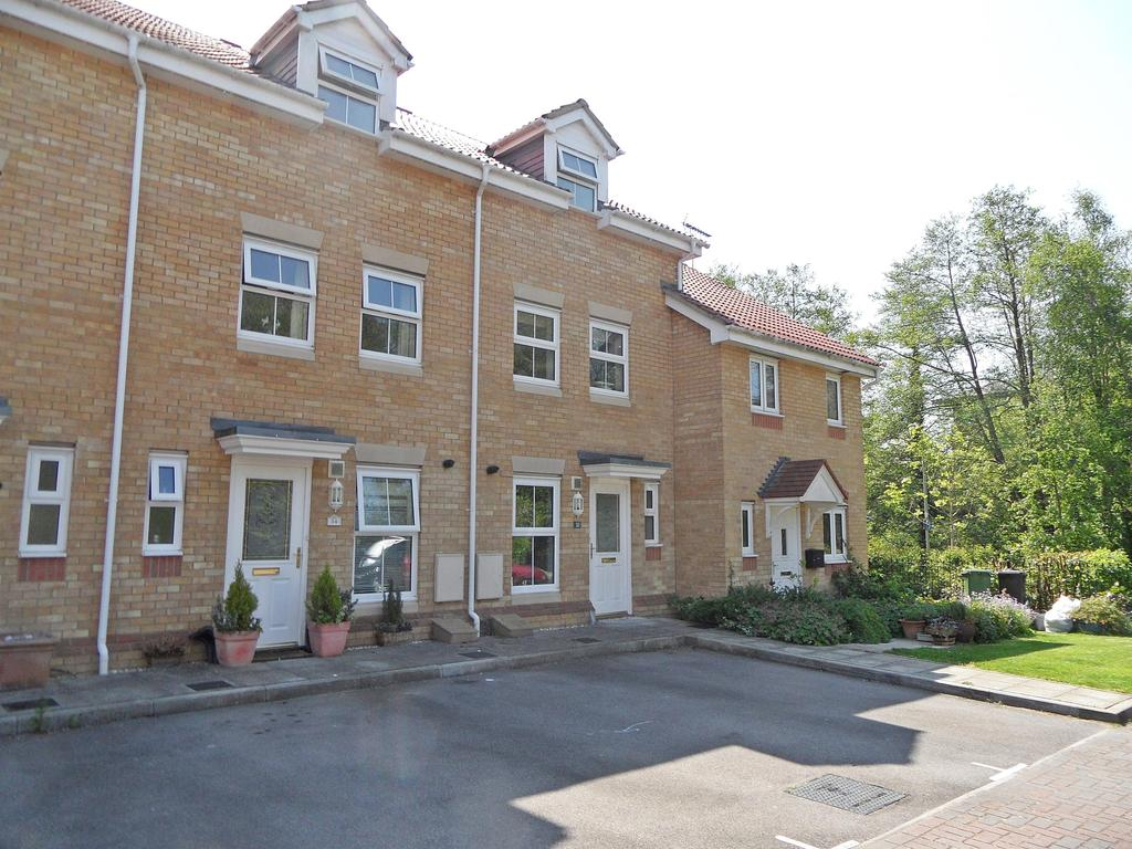 3 Bedrooms Town House for sale in Fallow Crescent, Hedge End, Southampton, SO30 2QG