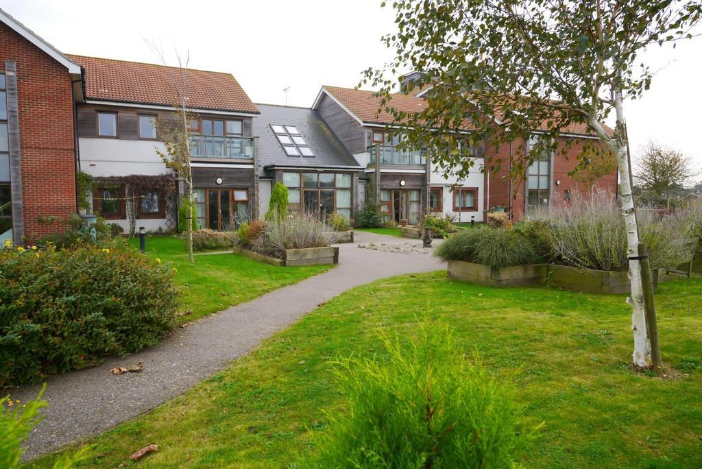 2 Bedrooms Apartment Flat for sale in Marram Green, Kessingland, Lowestoft