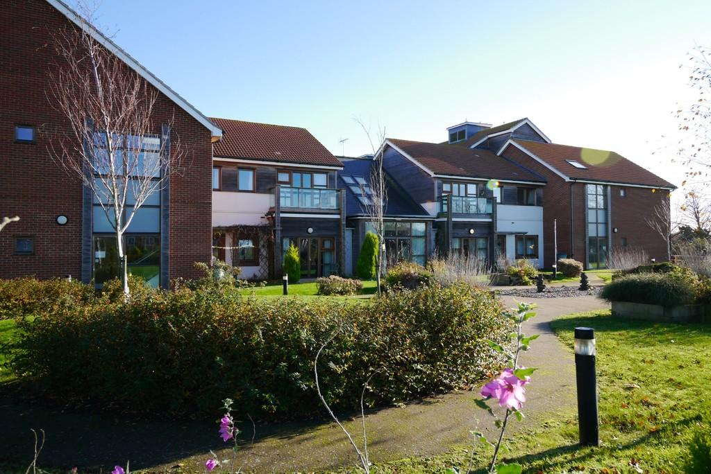 2 Bedrooms Apartment Flat for sale in Marram Green, Kessingland, Lowestoft