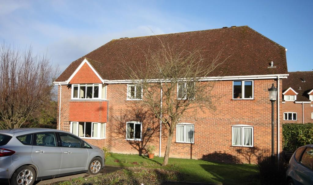 1 Bedroom Apartment Flat for sale in HARNLEIGH GREEN, HARNHAM, SALISBURY, WILTSHIRE, SP2 8JN