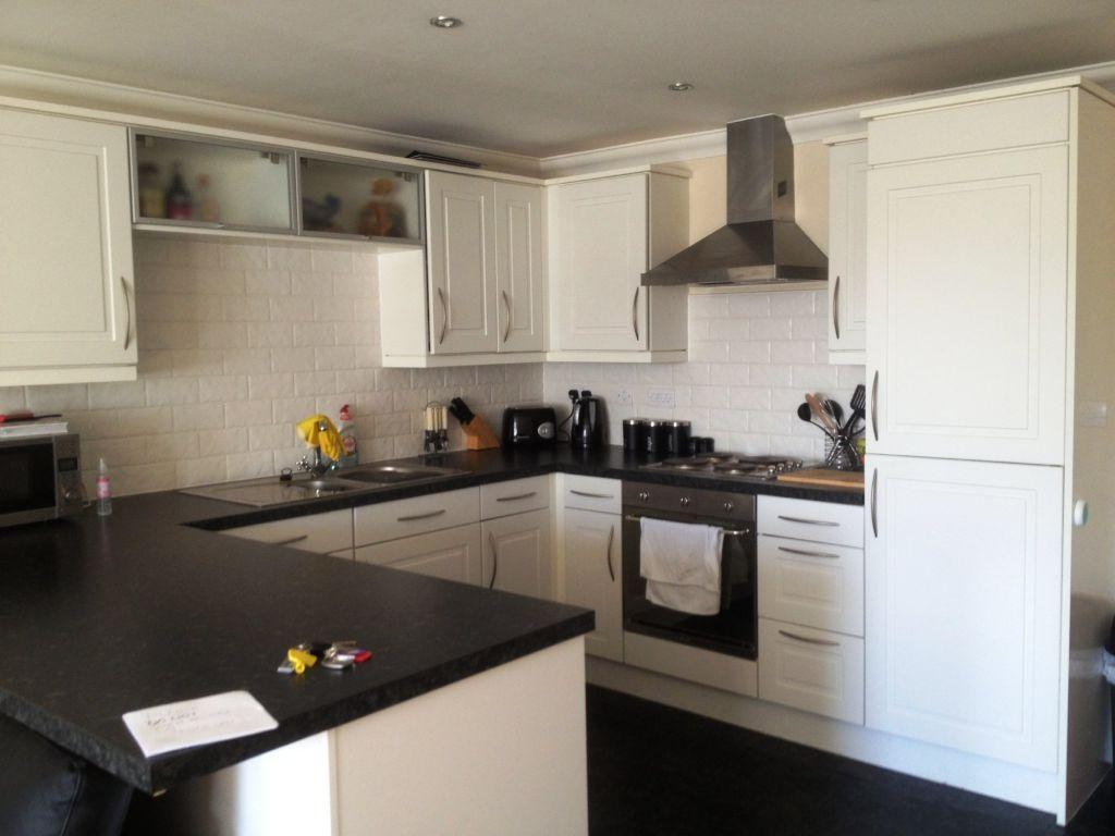 2 Bedrooms Apartment Flat for rent in Bethany Court, Moss Hey