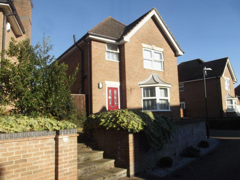 3 Bedrooms Detached House for sale in Oak Hill, Willerby