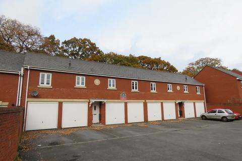 2 bedroom semi-detached house to rent - Royal Crescent, Exeter