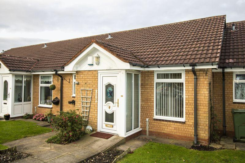 2 Bedrooms Semi Detached Bungalow for sale in Twyford Close, Aldridge, Walsall