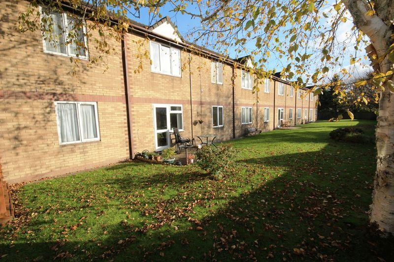 1 Bedroom Apartment Flat for sale in Norbury Court, Fairwater