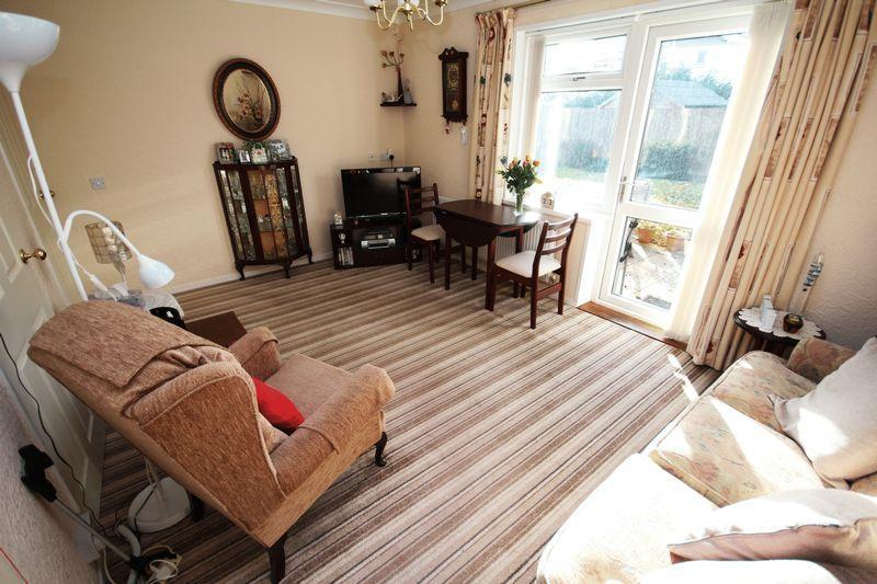 1 Bedroom Retirement Property for sale in Norbury Court, Fairwater