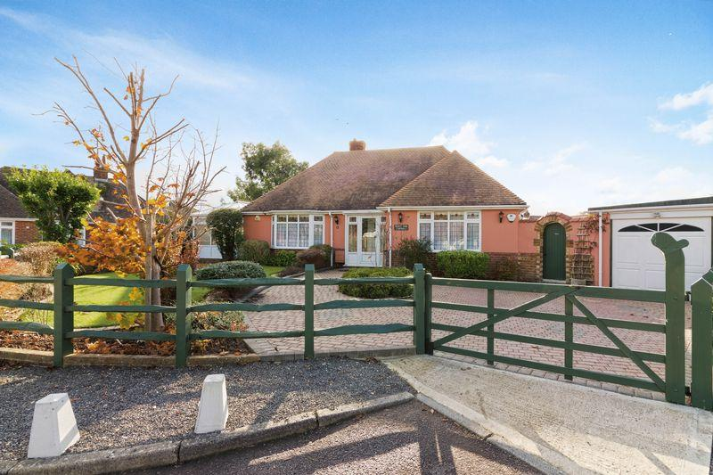 2 Bedrooms Bungalow for sale in Langbury Close, Ferring