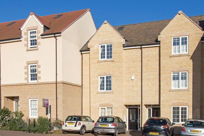 4 Bedrooms Town House for sale in Cherryholt Road, Stamford