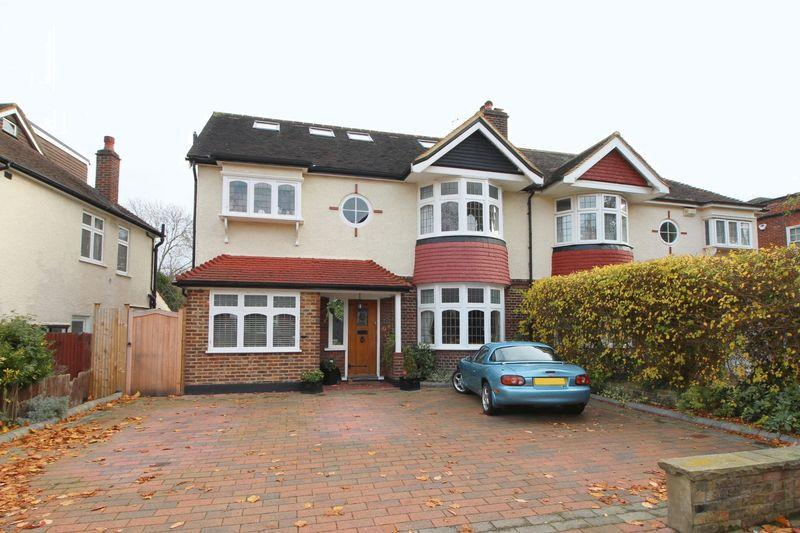 6 Bedrooms Detached House for sale in Selborne Road, Sidcup