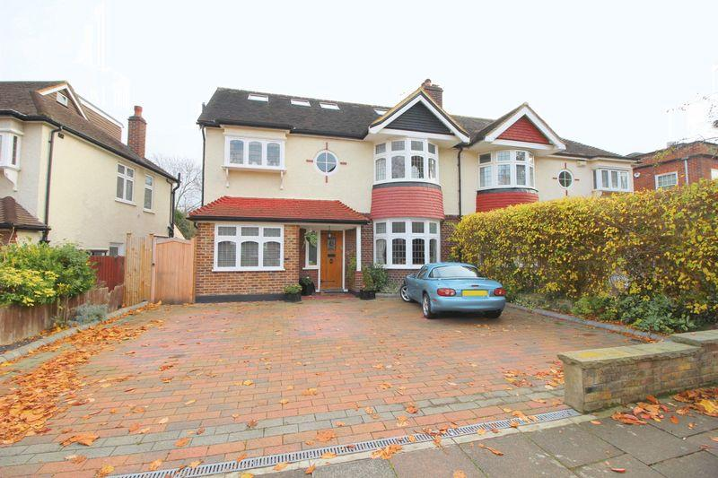 6 Bedrooms Semi Detached House for sale in Selborne Road, Sidcup, DA14 4QY