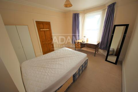 2 bedroom flat to rent - Woodend Road, Winton, Bournemouth