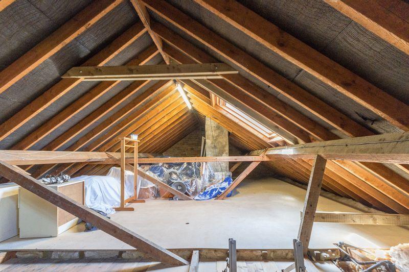 Excellent loft space