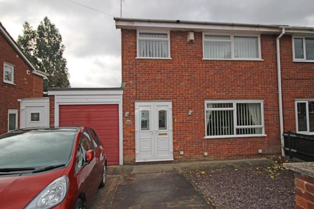 3 Bedrooms Semi Detached House for sale in Kilton Road, Worksop