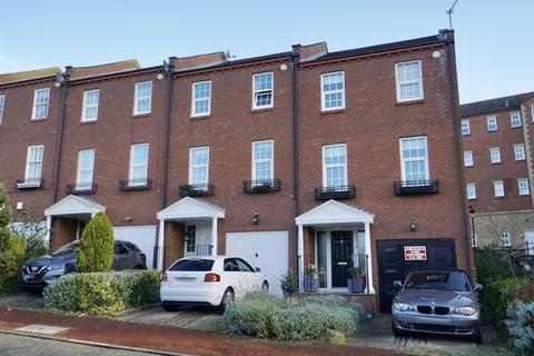 3 bedroom house for sale - DOBSON CRESCENT, St Peters Basin