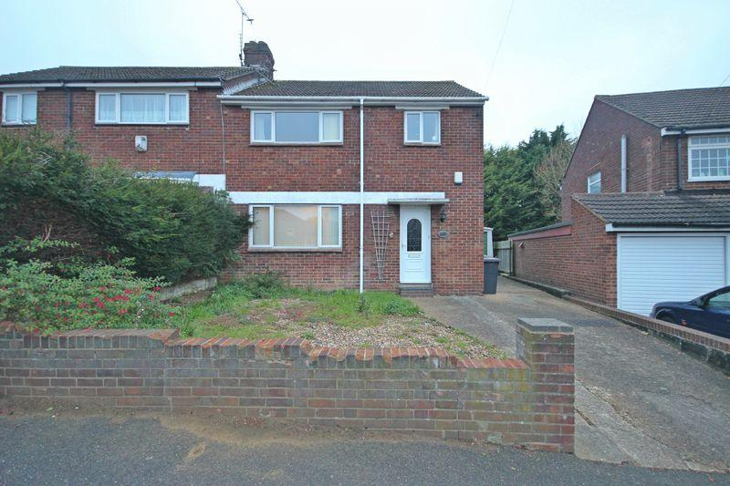 3 Bedrooms Semi Detached House for sale in Meyrick Avenue, South Luton