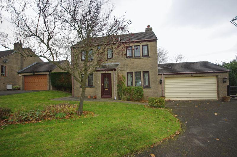 4 Bedrooms Detached House for sale in 4 Long Meadow, Halifax