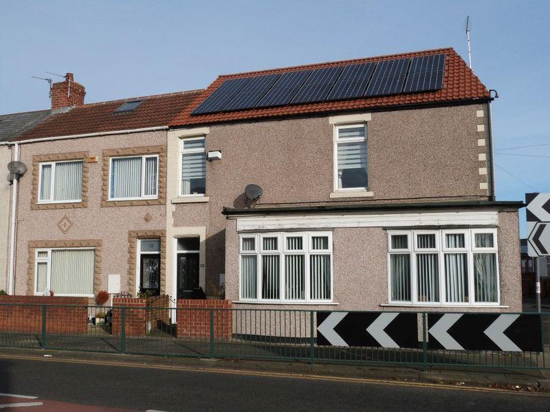 3 Bedrooms Terraced House for sale in Half Moon Street, Stakeford, Three Bedroom Terraced House