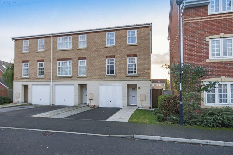 3 Bedrooms Terraced House for sale in PERSIAN CLOSE, CITY POINT