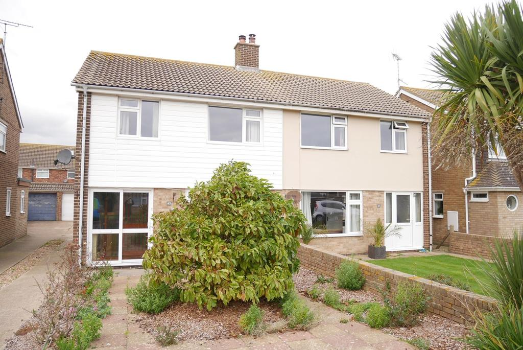 3 Bedrooms Semi Detached House for sale in Aylesbury Avenue, Langney Point, Eastbourne, BN23
