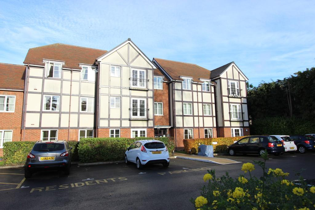 2 Bedrooms Retirement Property for sale in Bolters Lane, Banstead