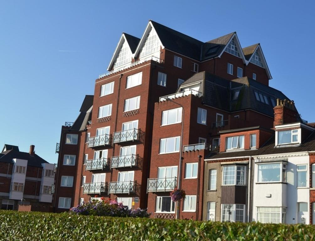 2 Bedrooms Apartment Flat for sale in Apartment 22, The Waterfront, Cleethorpes