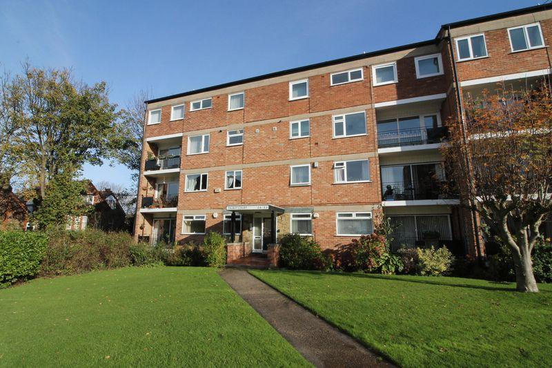2 Bedrooms Apartment Flat for sale in Talbot Court, Oxton