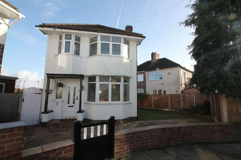 3 Bedrooms Detached House for sale in Moss Grove, Prenton