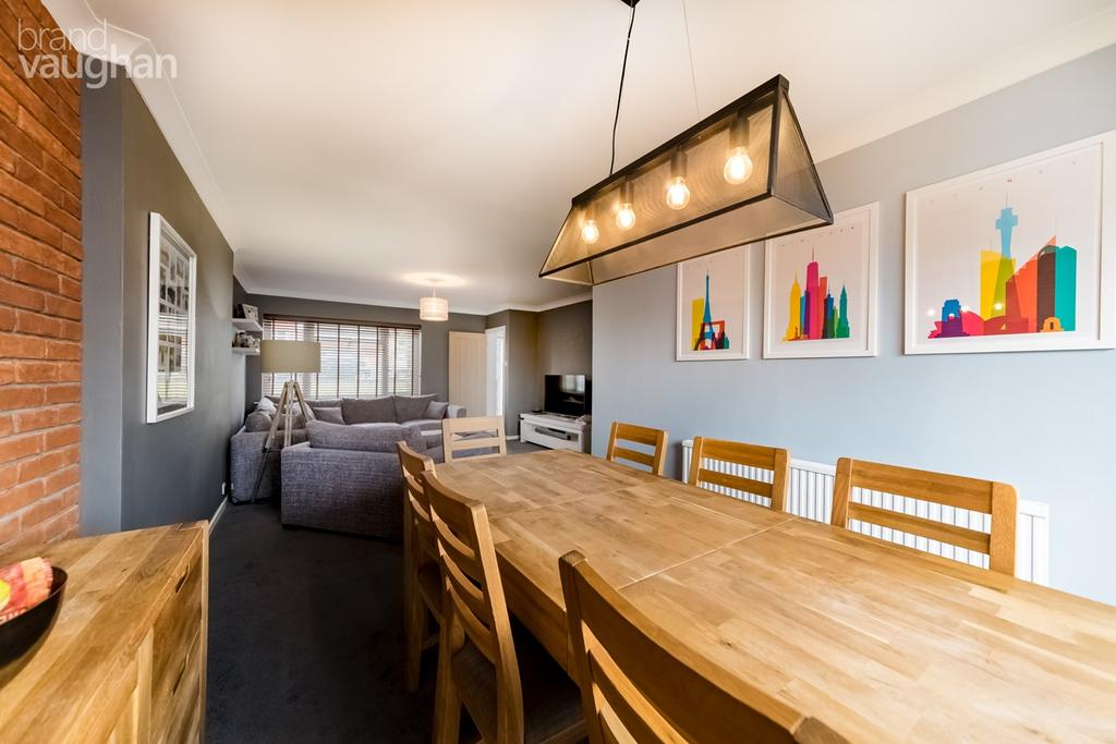 3 Bedrooms Semi Detached House for sale in Graham Avenue, Brighton, BN1