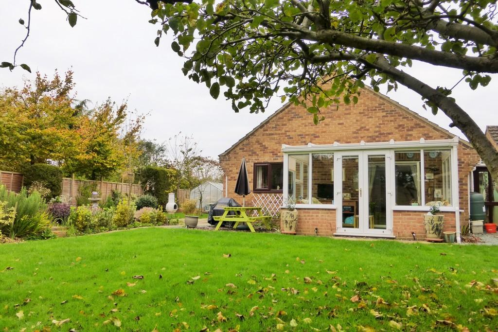 3 Bedrooms Detached Bungalow for sale in Bowthorpe