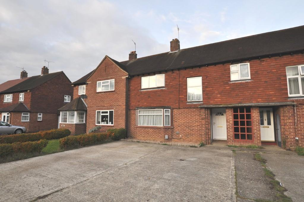 3 Bedrooms Terraced House for sale in Yew Tree Drive, Guildford