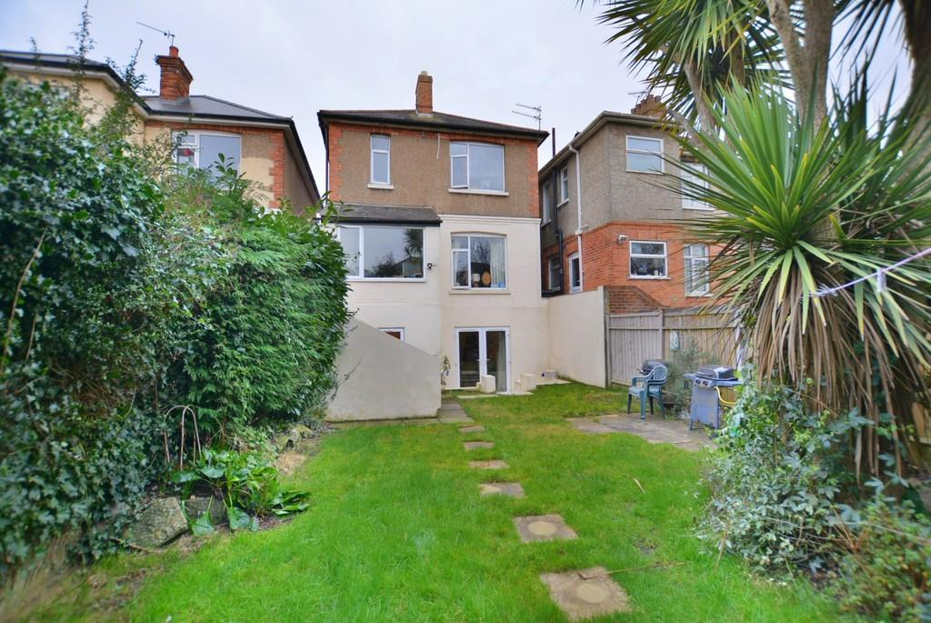 4 Bedrooms Detached House for sale in Elmes Road, Bournemouth